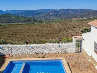 Nice home in Malaga with Outdoor swimming pool, WiFi and 7 Bedrooms (EAS508)
