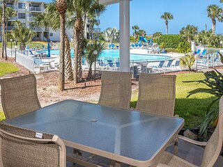 CRC 1106 - Ground Floor Condo Close to Pool and Spa
