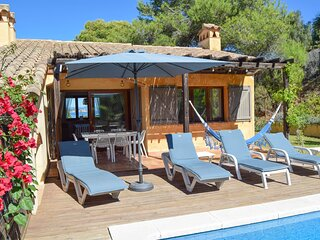 Villa with sea views. Located 600 meters from Platja del Raco-Begur.
