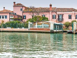 Murano Villa Sleeps 10 with Air Con and WiFi - 5890634