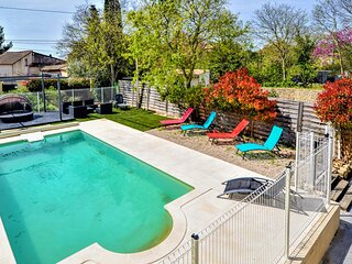 Beautiful home in Nimes with Outdoor swimming pool, WiFi and 4 Bedrooms (FLG622