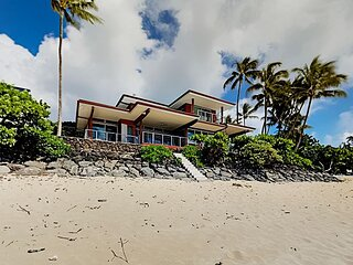 Rock Piles & Pipeline En Suite | 2 Waterfront Units | Private Access to Beach
