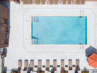 Carolina Dream! Two Comfy Units Near Charleston Attractions, Pool
