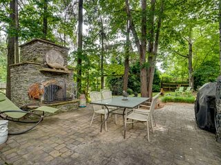Newly Listed! - Lake Norman Retreat (House) - PET FRIENDLY - Fire pit / BBQ - Pr
