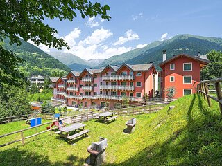 Beautiful apartment in Ponte di Legno with WiFi and 2 Bedrooms (IDD365)