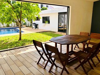 Country House, 15 minutes to beach, close to airport