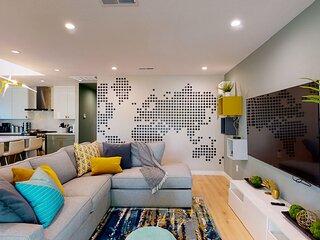* Marbella Lane - SJ Designer Home | 3BR | Ldry+P