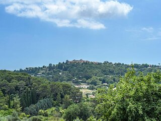 SUPER LUXURY VILLA IN MOUGINS- A HAVEN OF PEACE ENCIRCLED BY PINE TREES.