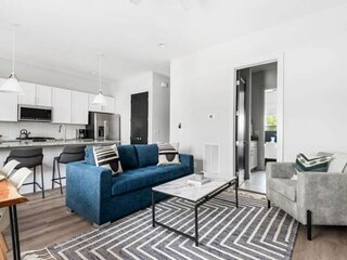 Harmony 18 ~ 6 Beds ~ 4 Suites ~ Finished Rooftop with Downtown Music City Views