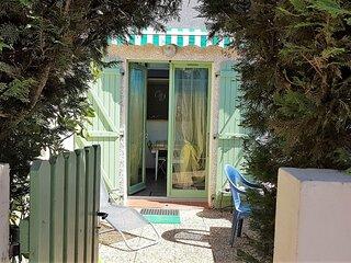 Pavillon dans residence avec piscine au cur d'Argeles / mer-6PMER120