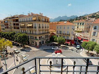 Beau 2P plein centre avec balconnet et parking prive