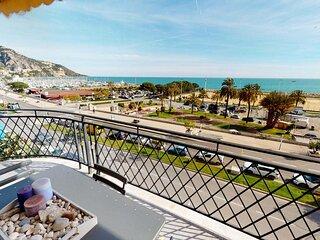 Beau 3P moderne face mer avec grande terrasse d'angle