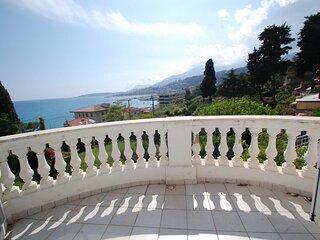 Beau 2P avec vue mer parking privé et terrasse / jardin