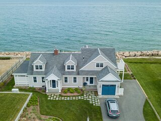 OCEANFRONT DREAM - Newly renovated with direct oceanfront views from every room.