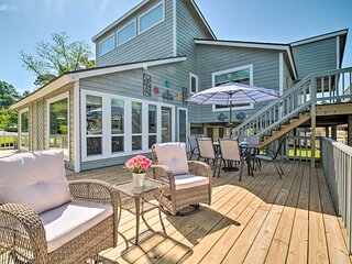 NEW! Bright & Breezy Home w/ Dock on Lake Conroe!