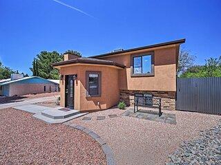NEW! Spacious Home w/ Yard < 3 Mi to Lake Powell!