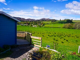 Wee Blue Dream self catering , great view, dog friendly Pitlochry