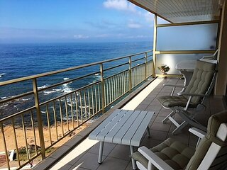 Appartement face a la mer avec une superbe terrasse.