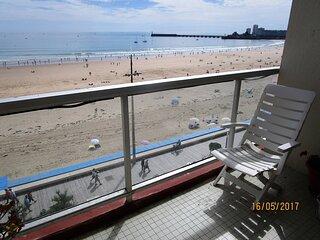 Appartement avec une vue imprenable, face mer.