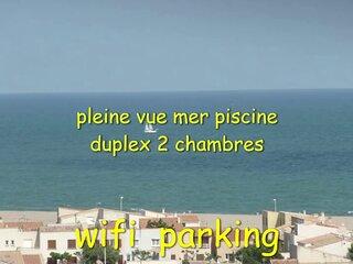 DUPLEX PISCINE PLEINE VUE MER PLAGE 300 m WIFI PARKING AU CALME