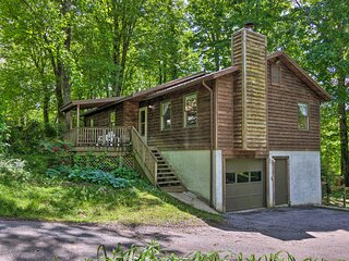 NEW! Picturesque Arden Home - 4 Mi to Lake Julian!