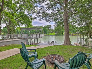 NEW! Lake Placid Waterfront Home w/ Outdoor Oasis!