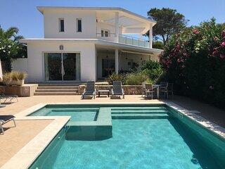 Casa Alta Binibeca, sea views, air con, 4 en-suites,wifi, heated pool,beach 500m