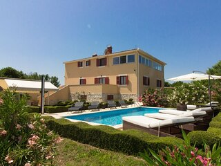 Kova - private pool: H(8) - Liznjan