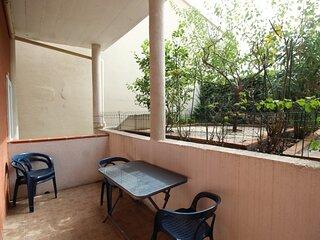 Appartement à deux pas du Port avec terrasse