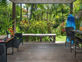 Secluded beachfront resort,most romantic spot on Kauai,totally updated inside