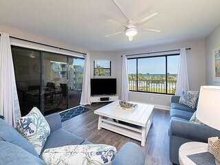 CRC 3302 - Newly Renovated!! Ocean View Condo