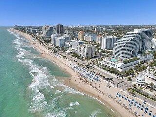Modern Luxury Beachfront Hotel Large 1 Bedroom Great Views + 2 Balconies 18
