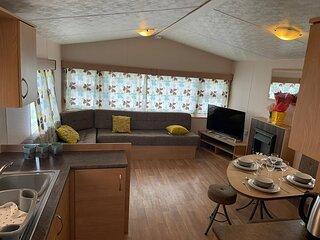 Brilliant 8 berth caravan Steeple Bay Holiday Park, Essex ref 36079D