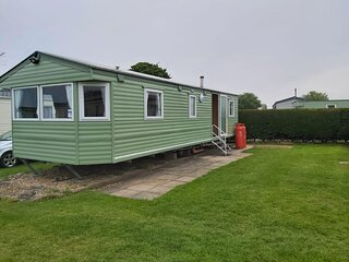 Lovely 3 bed, 8 berth caravan for hire in Skegness, Lincolnshire ref 35120SD