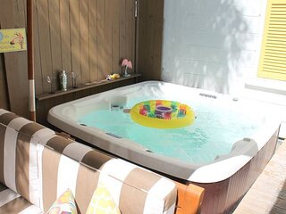 CASITA DE CATHERINE Cozy One Bedroom Private Home with Hot Tub, Pet Friendly