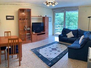Vivienda de 3 habitaciones con enorme cocina y salon, orientada al sur