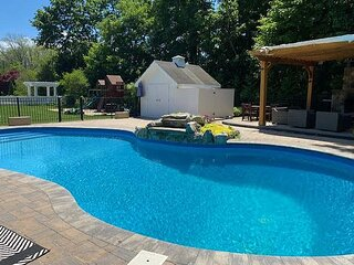 4BR North Fork Oasis by the Sea Heated Pool Hot tub steps to beach Available!