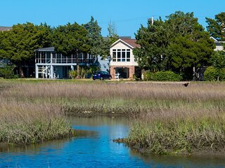 Creek Front Beach House, Dock on Tidal Canal, Screened Porch, Easy Walk to Beach