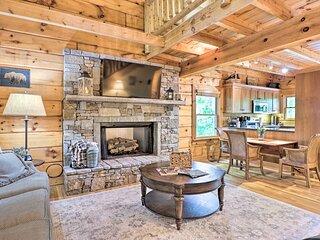 NEW! Cozy Retreat w/ Deck & Sapphire Resort Access