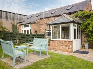MOUSEHOLE COTTAGE, open-plan, exposed beams, Carlisle