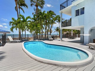 Luxury beachfront home with pool in Islamorada