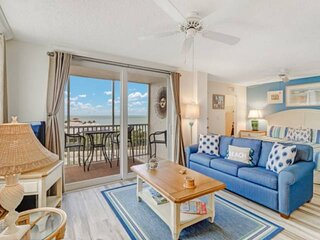 Gorgeous 9th Floor View, Beautifully Remodeled, Walk to Beach! Free Parking, Ten
