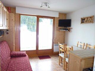 Studio Cabine avec terrasse en rez de jardin et vue degagee sur les montagnes