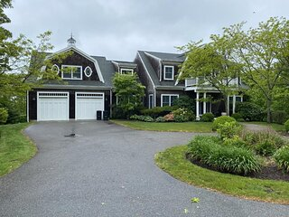 LARGE CUSTOM HOME WITH POOL IN WEST FALMOUTH 117899