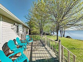 Waterfront Oasis | Sunroom, Office, Gazebo, Deck & Grill | Stunning Bay Views