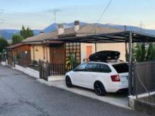 Vacanze tra monti e Lago, alquiler vacacional en Caprino Veronese