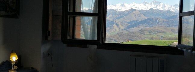 Apartamento rural dúplex para 2  con jardín privado Picos de Europa Adults Only, location de vacances à Intriago