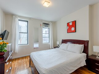 (4D) 1 Bedroom Just Off Park Ave