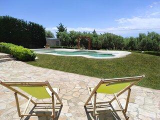 Villa Traditional Estate Pool Garden, 2 bedroom