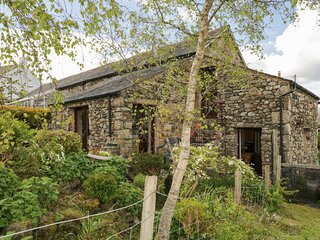 THE GRANARY, pet-friendly, rural and cosy, near Ireby, ref:972276